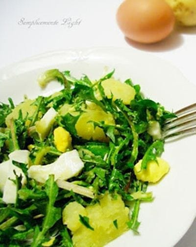 Cicoria con patate e uova