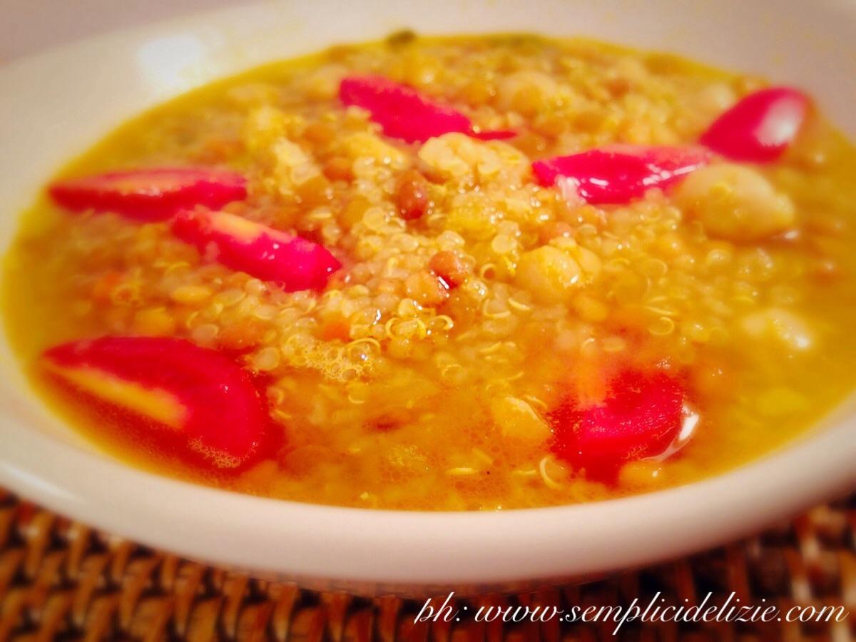 Zuppa di Quinoa, Ceci e Lenticchie
