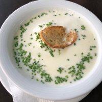 Pikante kalte Buttermilchsuppe