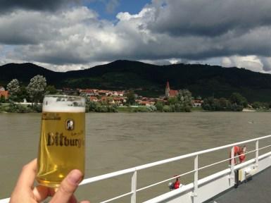 Probando las cervezas austríacas a nuestro paso por Dürnstein