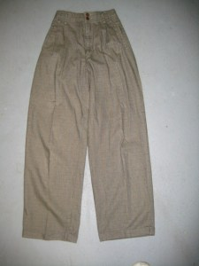 Ye olde horrible pleated, tapered pant