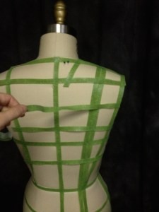 I'm adding one more line of velcro across the middle of the shoulder in back (shoulder-tip line to single princess line), just to even up my grid a little.