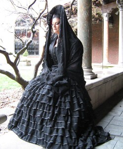 A Spanish Duena of a somewhat mythical costume era (2008)