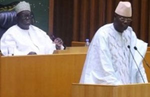 Moustapha Niasse aux députés l'opposition: « Vous êtes des lâches » Les nerfs étaient encore tendus avant-hier samedi à l'Assemblée nationale