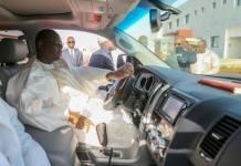 (14 photos ) Inauguration Ila Touba : Macky Sall sapé comme jamais, conduit sa propre voiture pour. Le Président Macky Sall a inauguré