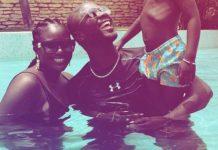 Moments forts en famille, Abba se la coule douce avec sa douce épouse Mamy (05 Photos)