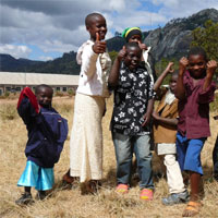 Strahlende Gesichter: Die Kinder von Litembo - Foto: Diocesan Hospital Litembo