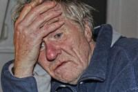 Alzheimer-Demenz - Selbst pflegen oder Pflegeheim