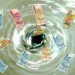 """O dinheiro público sai pelo """"ralo"""". Só não tem dinheiro para ajustar as aposentadorias do INSS."""