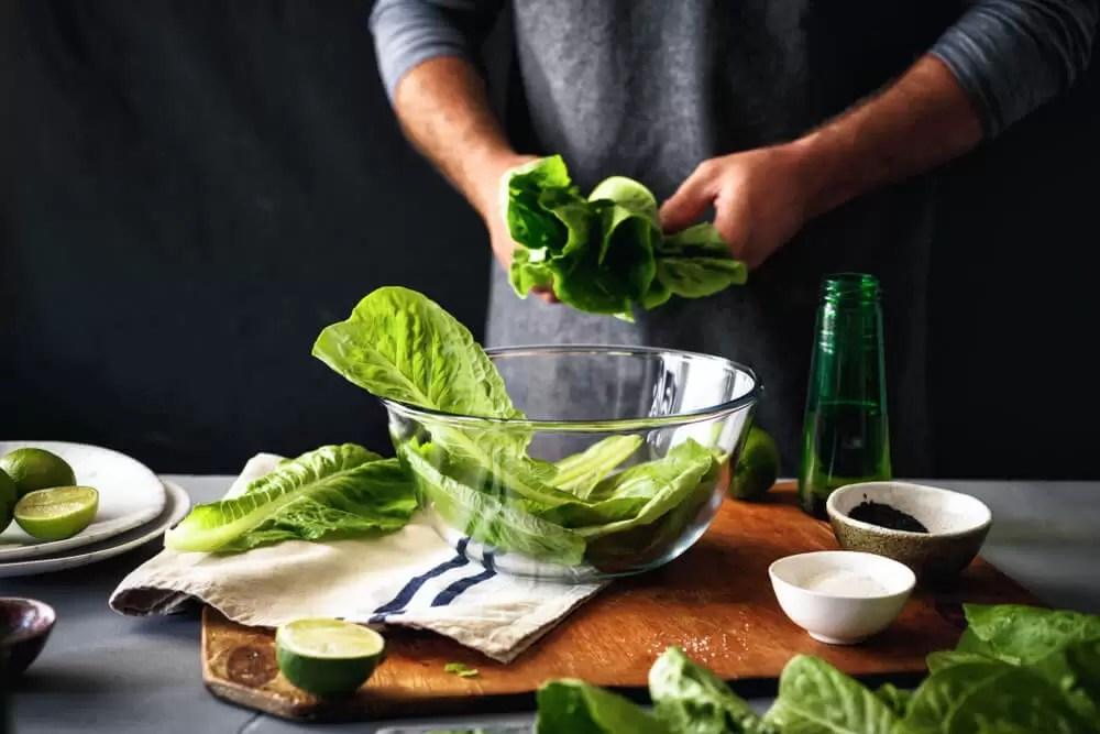 yeşil-salata-yapimi