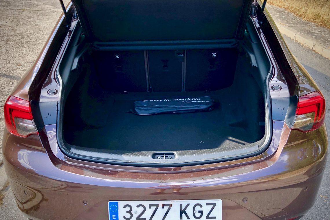 Maletero abierto 1140x760 - Opel Insignia Grand Sport 1.6 CDTI 136 CV