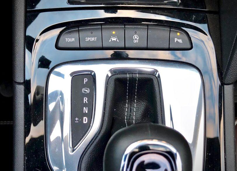 Palanca de cambios 1 - Opel Insignia Grand Sport 1.6 CDTI 136 CV