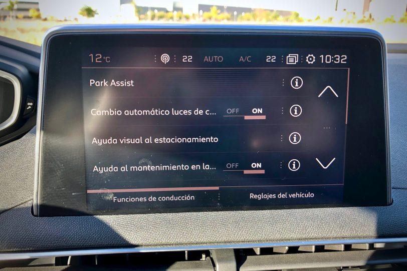 Asistentes de aparcamiento 2 1140x760 - Peugeot 5008 GT Line 1.5 BlueHDI 130 CV