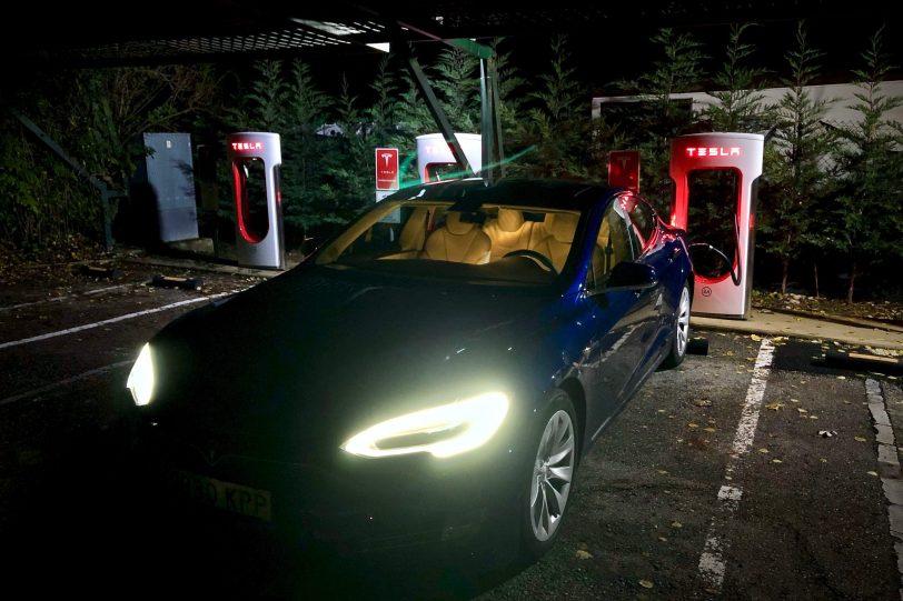 Supercargador Burgos 1140x760 - Tesla Model S 100D y nuestro viaje de 1.000 km