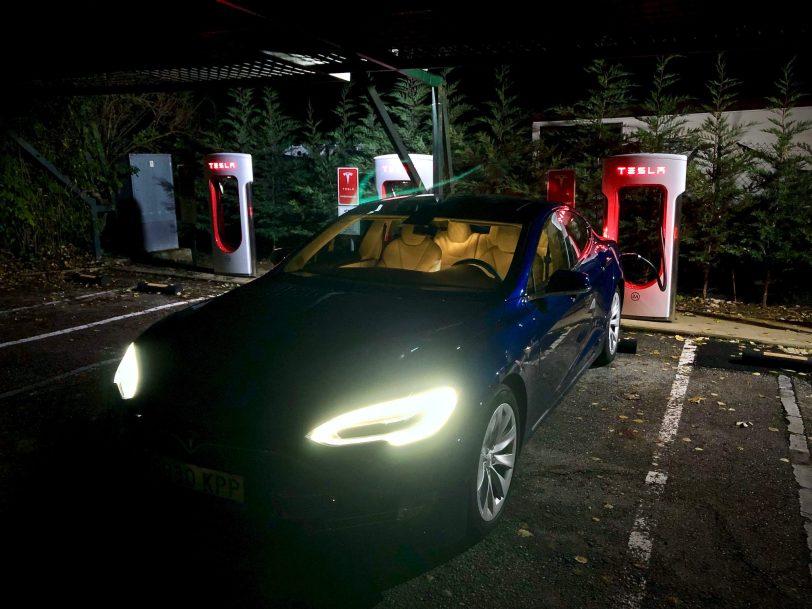 Supercargador Burgos - Tesla Model S 100D y nuestro viaje de 1.000 km