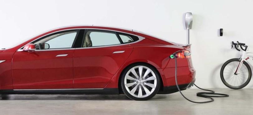 Wallbox de pared de Tesla - Tesla Model S 100D y nuestro viaje de 1.000 km