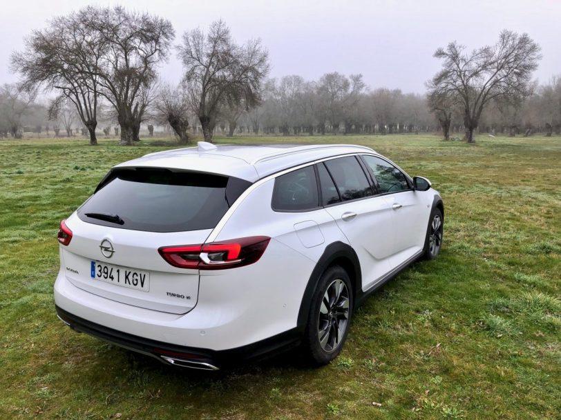 Disen%CC%83o Insignia CT 1140x855 - Opel Insignia Country Tourer 2.0 Turbo 260 CV