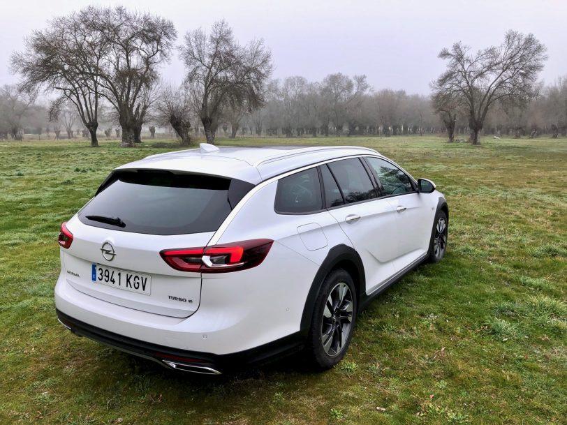 Disen%CC%83o Insignia CT - Opel Insignia Country Tourer 2.0 Turbo 260 CV