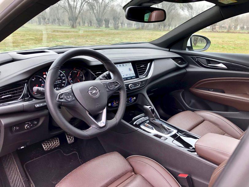 Interior Insignia CT - Opel Insignia Country Tourer 2.0 Turbo 260 CV