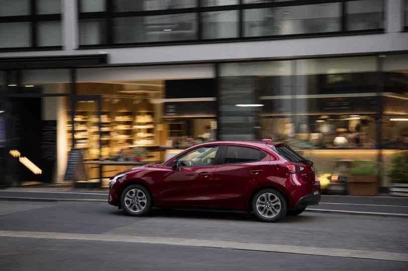 Mazda2 2018 02 - Mazda2 Zenith 1.5 Skyactiv-G 90 CV