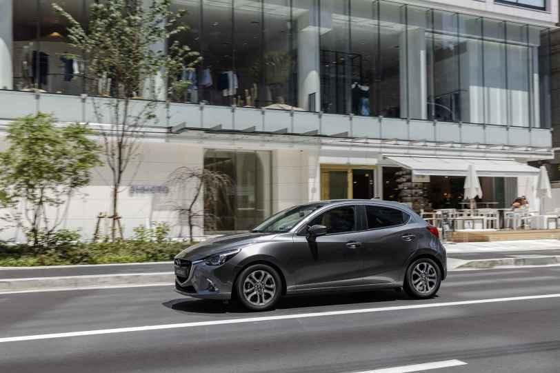 Mazda2 2018 03 - Mazda2 Zenith 1.5 Skyactiv-G 90 CV