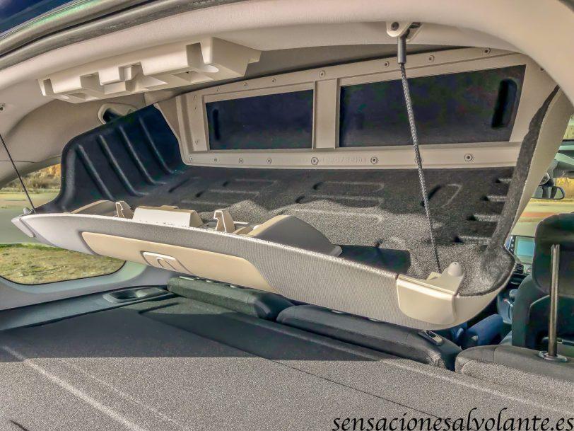 Compartimento maletero abierto vista lateral Opel Combo Life - Opel Combo Life: Un coche muy versátil