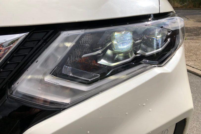 Faros de cerca 1260x840 - Nissan X-Trail 2018 2.0 dCi 177 CV 7 Plazas