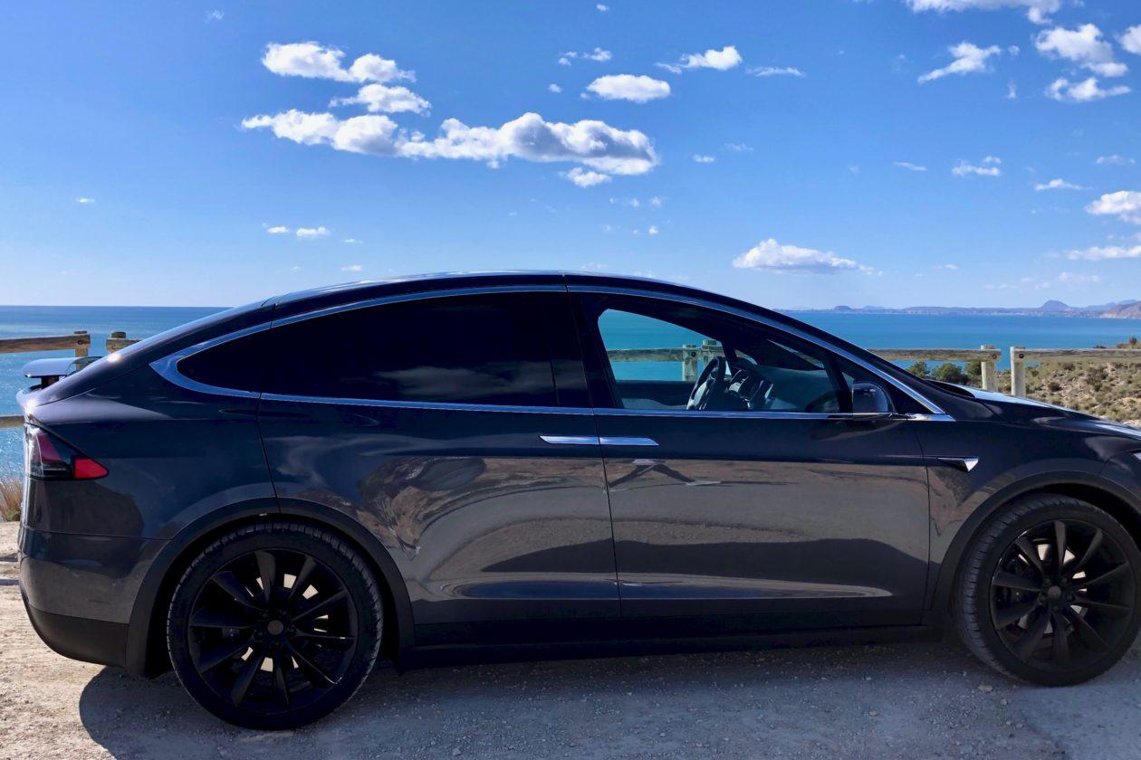 Lateral derecho Tesla Model X 100D 1260x840 - Tesla model X 100D: No es cualquier SUV