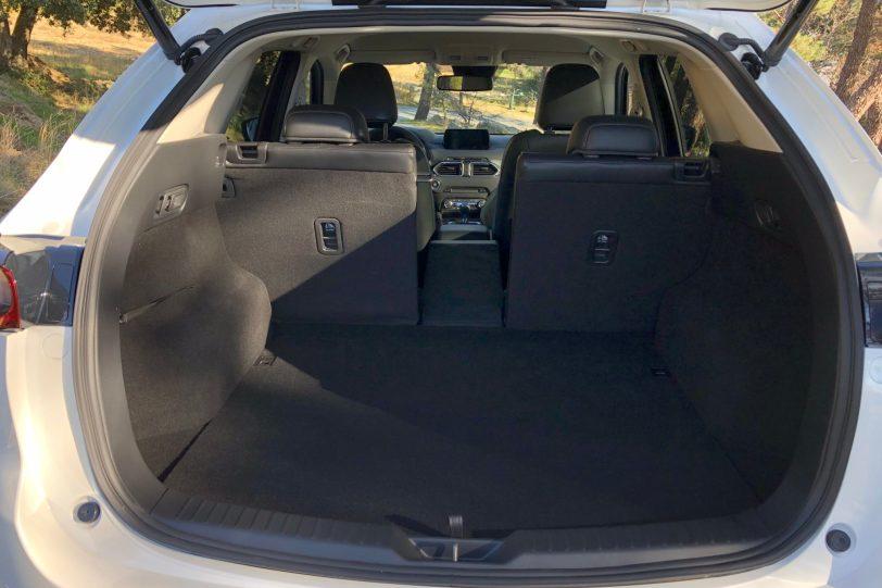 Maletero 4 plazas CX 5 1260x840 - Mazda CX-5 2.0L SKYACTIV-G 165 CV 2WD MT Zenith Black