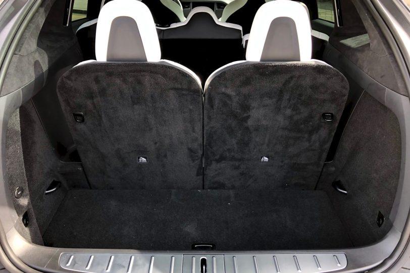 Maletero con 7 plazas Tesla Model X 100D 1260x840 - Tesla model X 100D: No es cualquier SUV