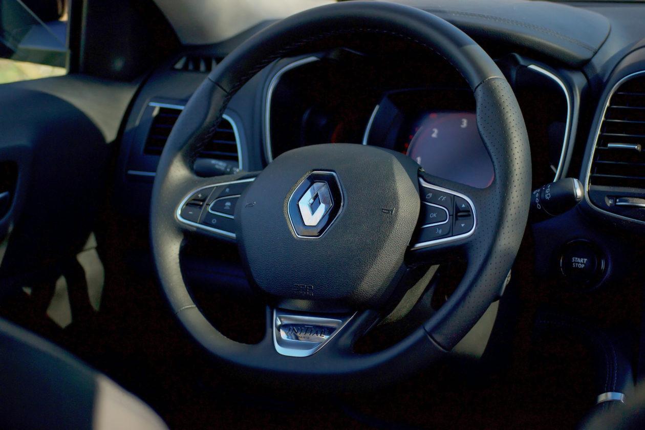 Mandos Volante 1260x840 - Renault Koleos: Completamente renovado