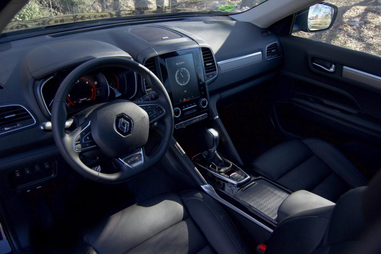 Puesto de conduccion Renault Koleos 1260x840 - Renault Koleos: Completamente renovado