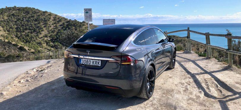 Trasera Tesla Model X 100D - Tesla model X 100D: No es cualquier SUV