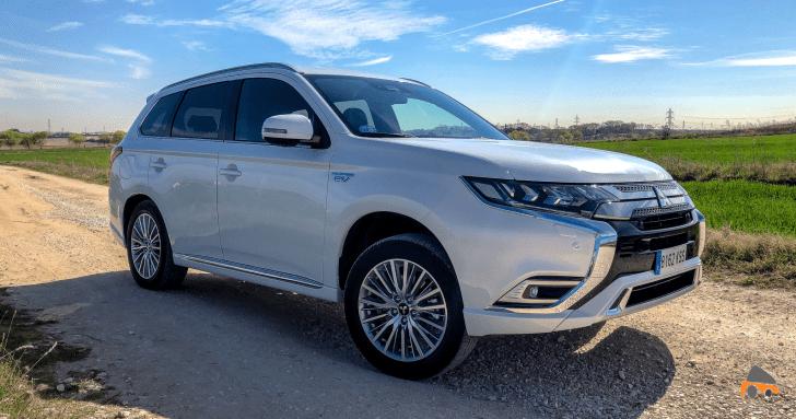 Frontal lateral derecho Mitsubishi Outlander PHEV - Mitsubishi Outlander PHEV 2019: ¿El mejor SUV híbrido enchufable? con etiqueta CERO ¿Una buena alternativa?
