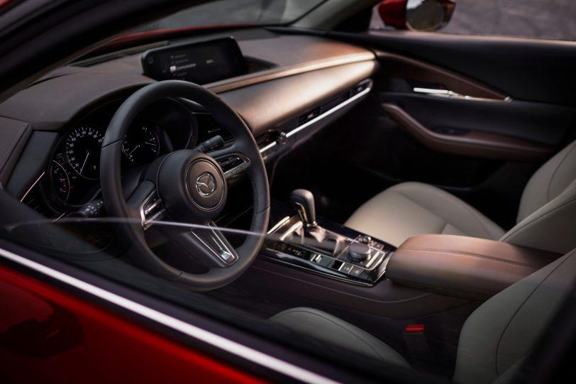 Mazda CX 30 at 2019GIMS 17 - Mazda completa su gama con el nuevo Mazda CX-30