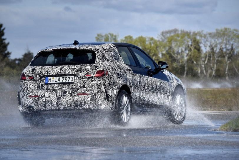 Trasera BMW Serie 1 - El nuevo BMW serie 1 se deja ver camuflado