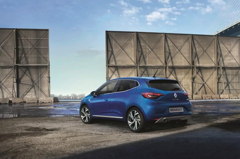 Trasera izquierda Renault Clio 2019 azuk - Renault Clio 2019: un nuevo diseño, más calidad y tecnología, y ahora también con opción híbrida