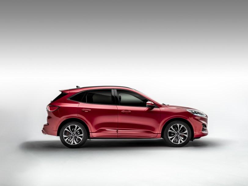 2560 300013 - El Ford Kuga se renueva como SUV híbrido, híbrido enchufable, mild hybrid, además de gasolina y diésel