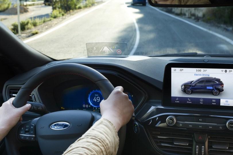 2560 300017 1260x840 - El Ford Kuga se renueva como SUV híbrido, híbrido enchufable, mild hybrid, además de gasolina y diésel