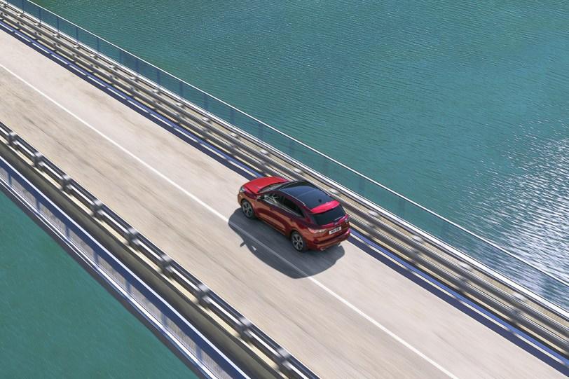 2560 30005 1 1260x840 - El Ford Kuga se renueva como SUV híbrido, híbrido enchufable, mild hybrid, además de gasolina y diésel