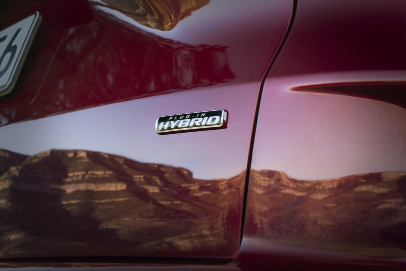2560 30007 1 1260x840 - El Ford Kuga se renueva como SUV híbrido, híbrido enchufable, mild hybrid, además de gasolina y diésel