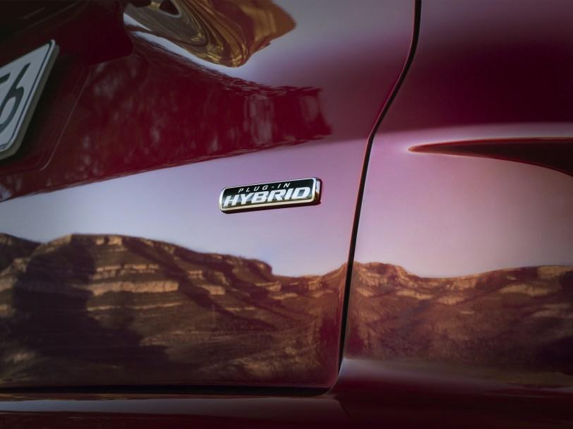 2560 30007 1 - El Ford Kuga se renueva como SUV híbrido, híbrido enchufable, mild hybrid, además de gasolina y diésel