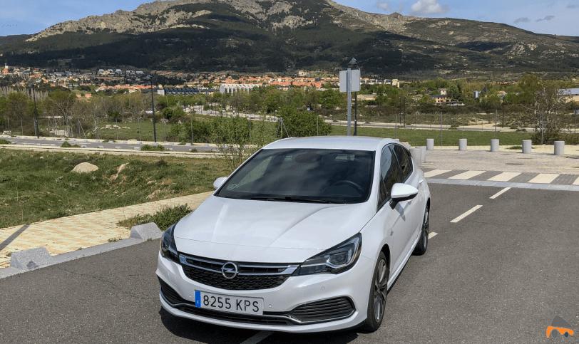 Frontal lateral izquierdo Opel Astra GSI Line - Opel Astra 1.6 Turbo GSI Line