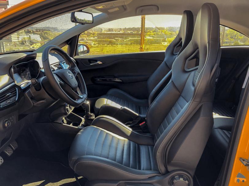 Plazas delanteras Opel Corsa GSI - Opel Corsa GSi: un juguete para pasarlo bien
