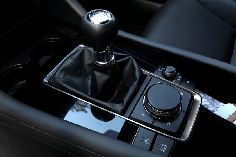 Cambio Mazda3 1260x840 - Nuevo Mazda3: Un compacto deportivo con tecnología Mild-Hybrid