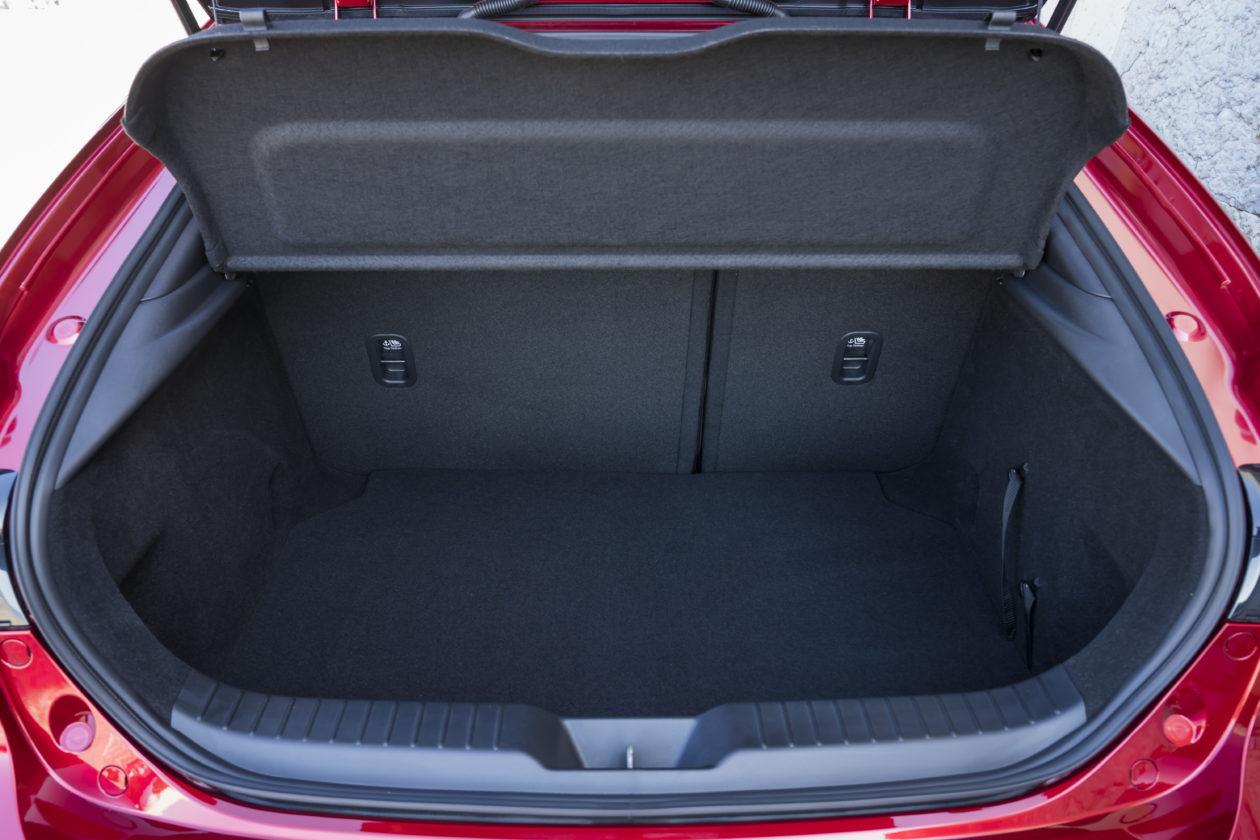 Mazda3 HB SoulRedCrystal Detail 17 1260x840 - Nuevo Mazda3: Un compacto deportivo con tecnología Mild-Hybrid