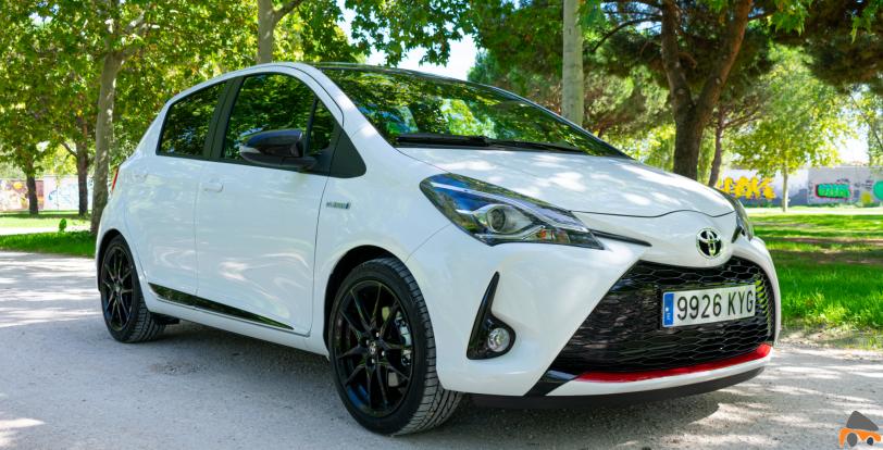 Frontal lateral derecho Toyota Yaris - Toyota Yaris GR-Sport: Un híbrido deportivo válido para la ciudad