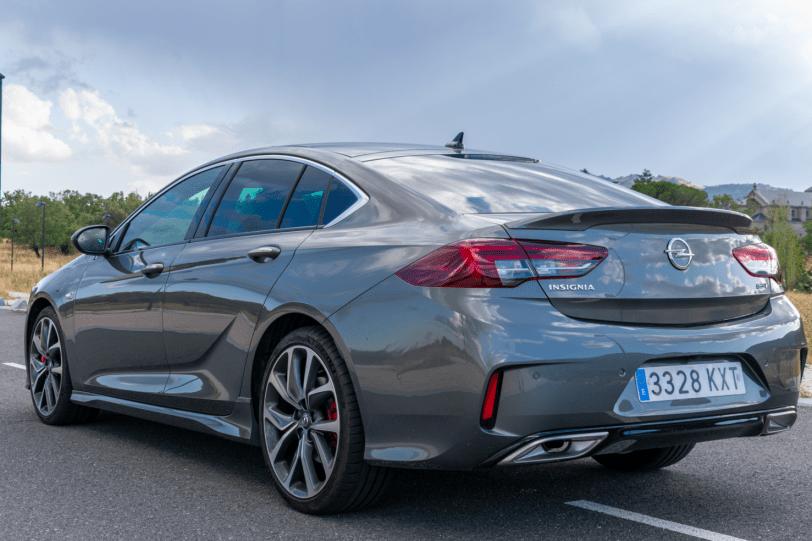 Trasera lateral izquierdo Opel Insignia GSi 1260x840 - Opel Insignia Grand Sport GSi: ¿Una berlina diésel y deportiva?
