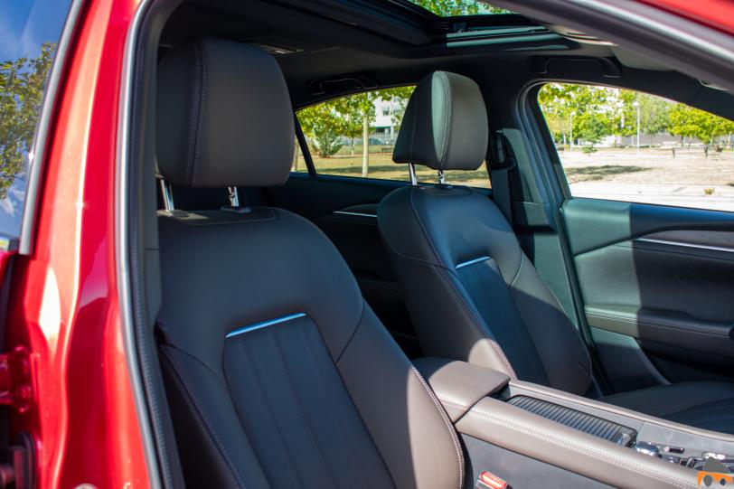 Asientos delanteros Mazda6 - Mazda6 Signature gasolina: Una berlina con potencia y consumos ajustados
