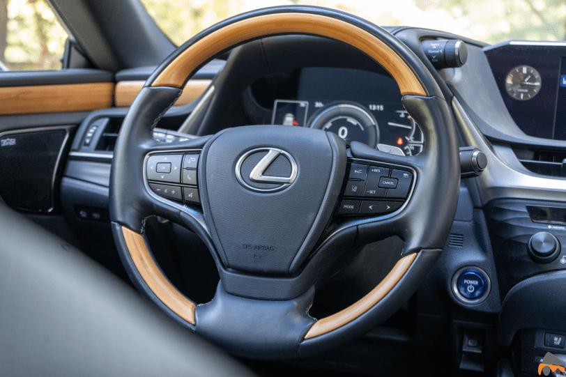 Volante Lexus ES 300h 1260x840 - Prueba Lexus ES 300h Luxury: Una berlina exclusiva y ecológica